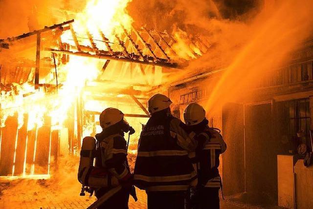 Großalarm: Ein Verletzter nach Brand in Müllheim