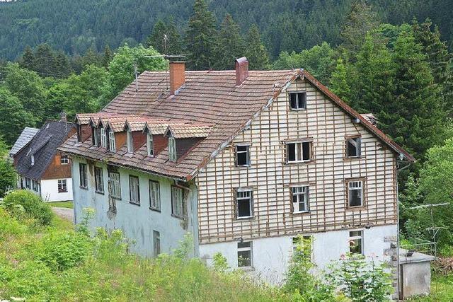 Ferienhäuser verdrängen Fabrikruine