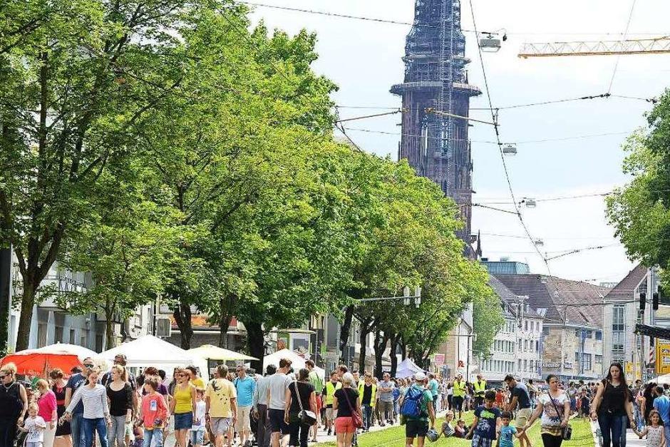 Großer Andrang auf der Habsburger Straße (Foto: Rita Eggstein)