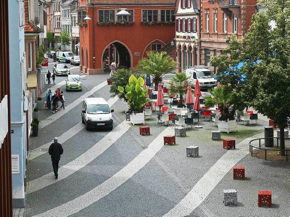Die Autos dürfen auch weiterhin zu jeder Zeit den Urteilsplatz befahren.  | Foto: Bastian Henning