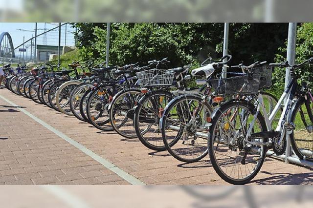 Stellplätze und Boxen für Fahrräder