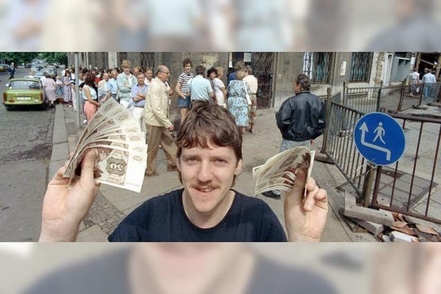 Vor 25 Jahren haben DDR-Bürger erstmals die DM ausgezahlt bekommen