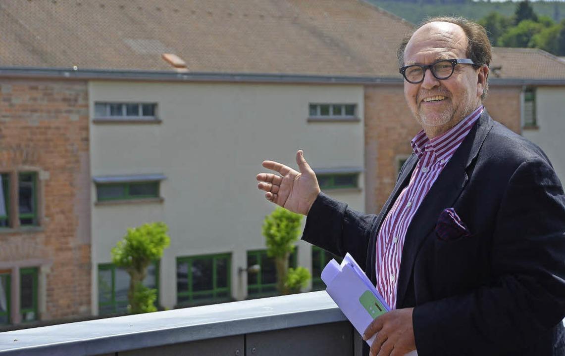 Geschäftsführer Eckehard Ficht hat den Überblick über das Zeit-Areal.     Foto: Susanne Ehmann