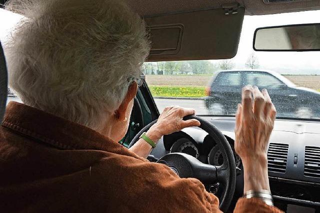 Senioren im Verkehr – Land hält nichts von Verboten