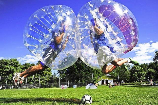 Fußball in der Plastikblase