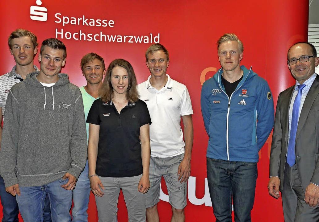 Sportler mit Perspektiven: (von links)...zender der Sparkasse Hochschwarzwald.   | Foto: bachmann
