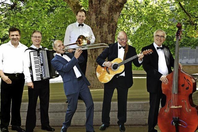 Das Salonorchester spielt im Seegarten Schutterwald