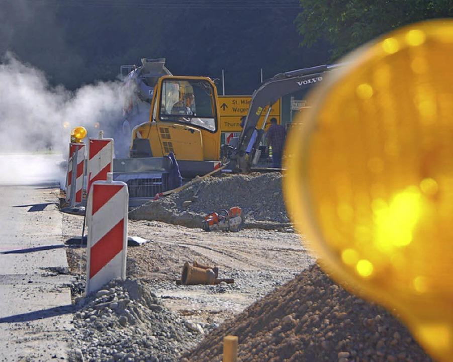 Geld für den Straßenbau  gibt es aus dem Ausgleichsstock.   | Foto: Bury