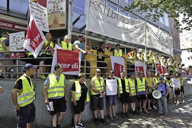 Beschäftigte der Post streiken