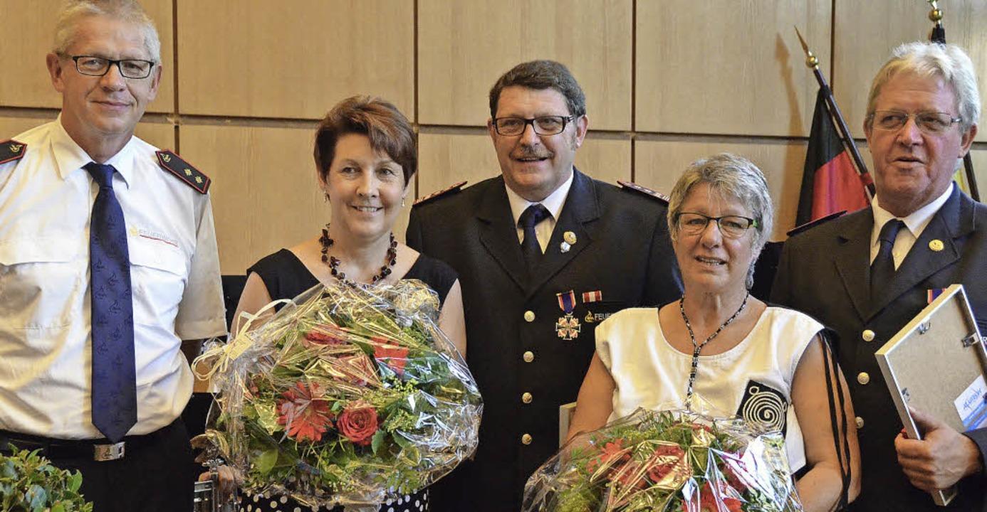 Günter Lenke, Vorsitzender des Kreisfe...rohmeier (rechts, mit Ehefrau Heidi).   | Foto: Jochen Fillisch