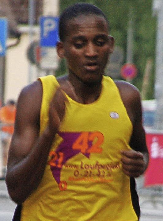 Platz zwei: Ablelom Kufulu, der für Lauf Sport  Rheinfelden startete.  | Foto: Petra Wunderle