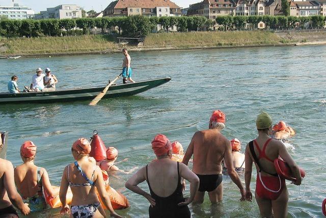 Begleitetes Rheinschwimmen in Basel - Anmeldung nötig