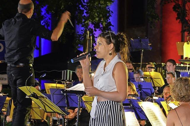 Perfekter Sommerabend mit der Stadtmusik