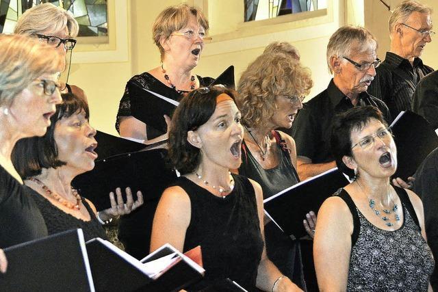 Gospelchor Obersäckingen und Gospelchor des Scheffelgymnasiums treten zusammen auf