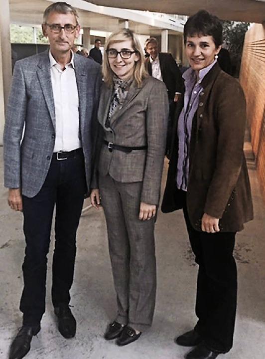 Standen Rede und Antwort: Armin Schuster, Nina Warken und Ulrike Smit     Foto: zVg