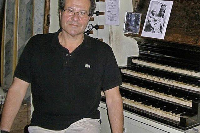 Der Organist Johannes Götz im Fridolinsmünster Bad Säckingen