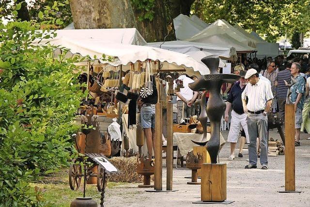 Künstlermarkt auf dem Schladererplatz in Staufen