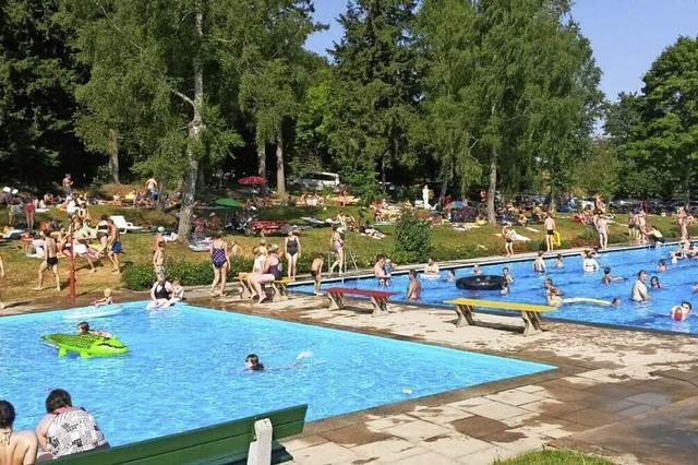 Wasser im nicht beheizten Kappler Freibad ist 26 Grad warm - Rekord