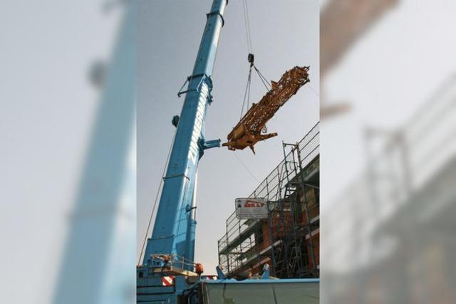 Schwebender Kran statt Baustellenfrust