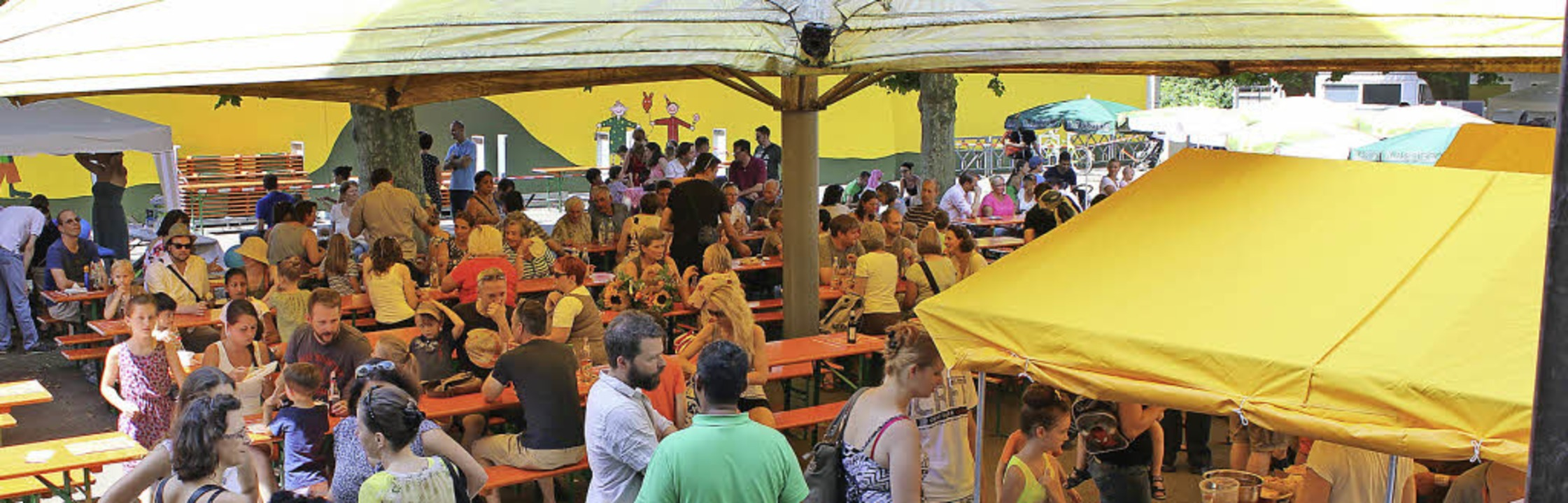 Beim Sommerfest der Musik- und der Hebelschule auf dem Schulhof  | Foto: Antje Gessner