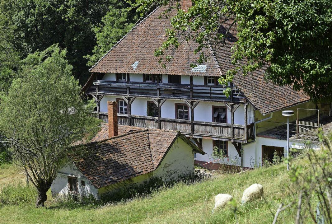 Der Bauernhof des alten Kartäuserklost...t der letzten seiner Art in Freiburg.   | Foto: Rita Eggstein