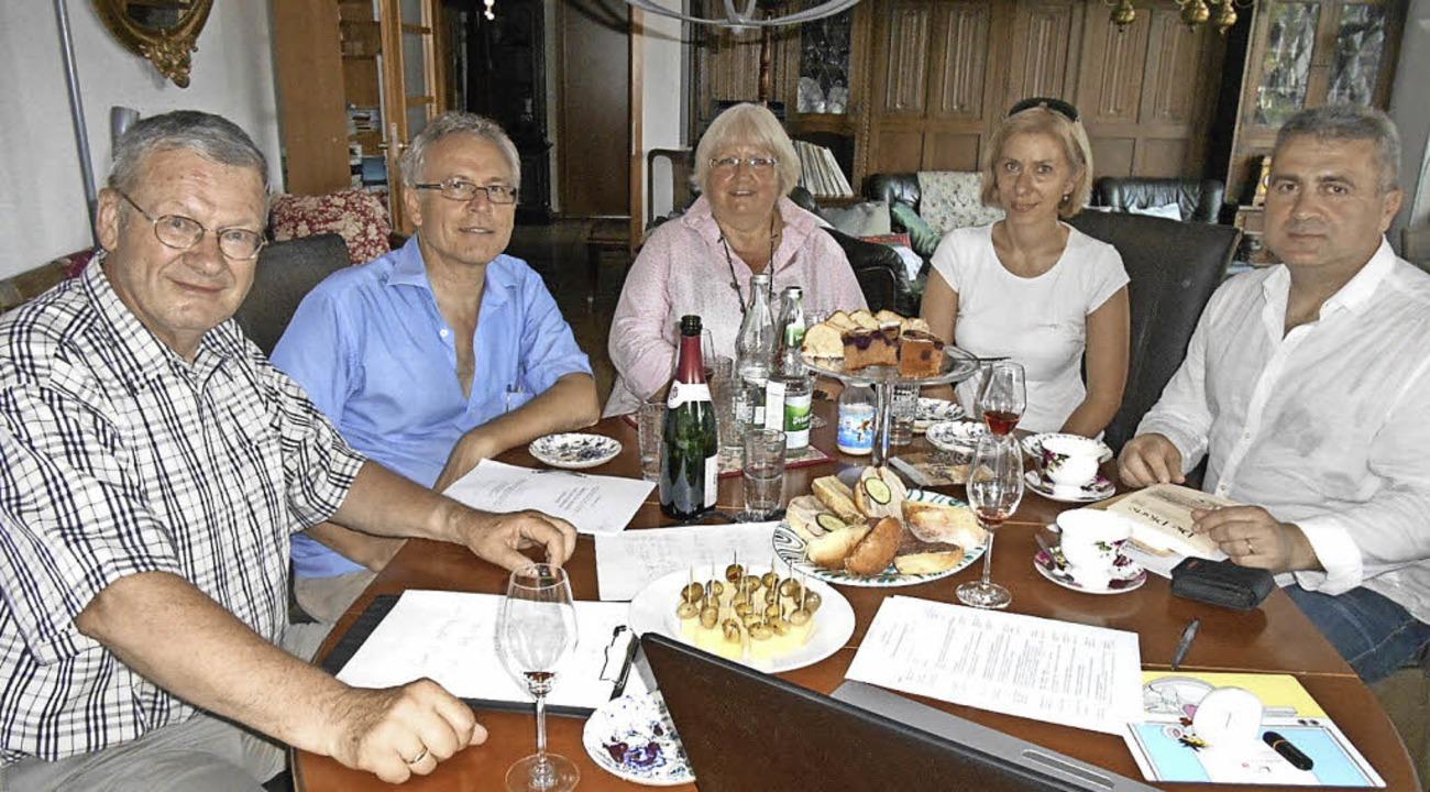 Beim Autorengespräch (von links): Klau...Bündler des gemeinsamen Buchprojekts).  | Foto: Branko Tomic