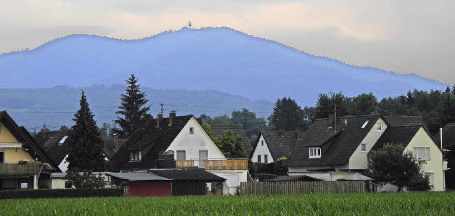 Der Markgräfler Hausberg von Buggingen aus gesehen.  | Foto: Sigrid Umiger