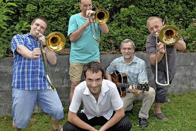 Orchester probt in Nudelfabrik