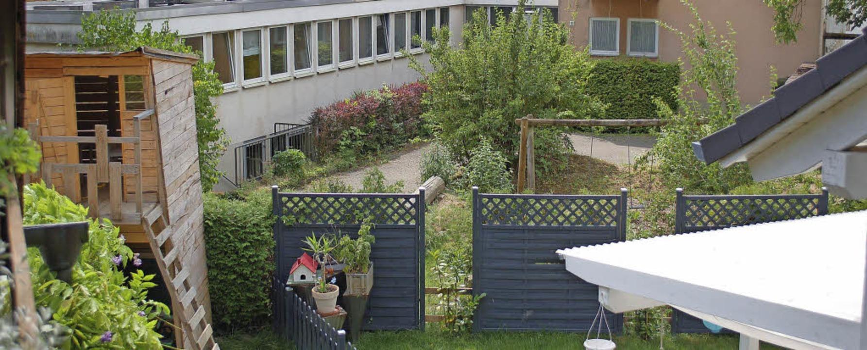 Das Grundstück von Ehepaar Braun  gren...lanten Flüchtlingsunterkunft in Sulz.   | Foto: Ulrike Sträter/Wilhelm Media