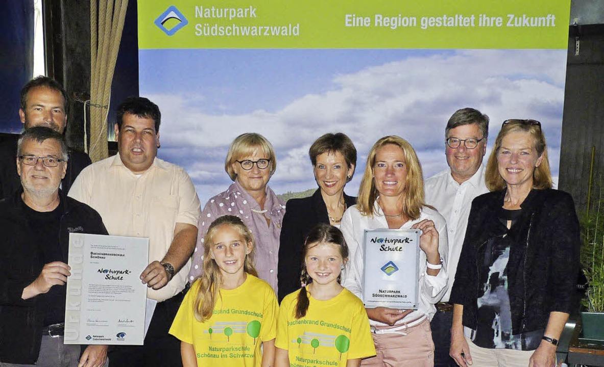 "Verleihung des  Siegels ""Naturpa...ichael Quast, Judith Maier (Schulamt).  | Foto: Dirk Sattelberger"