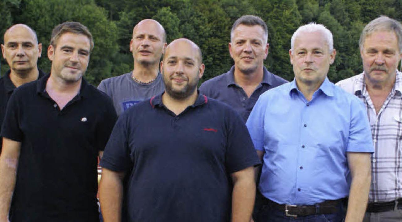 Die neugewählten Vorstandsmitglieder d...lk und Vorsitzender Werner Wunderle.    | Foto: Werner Probst