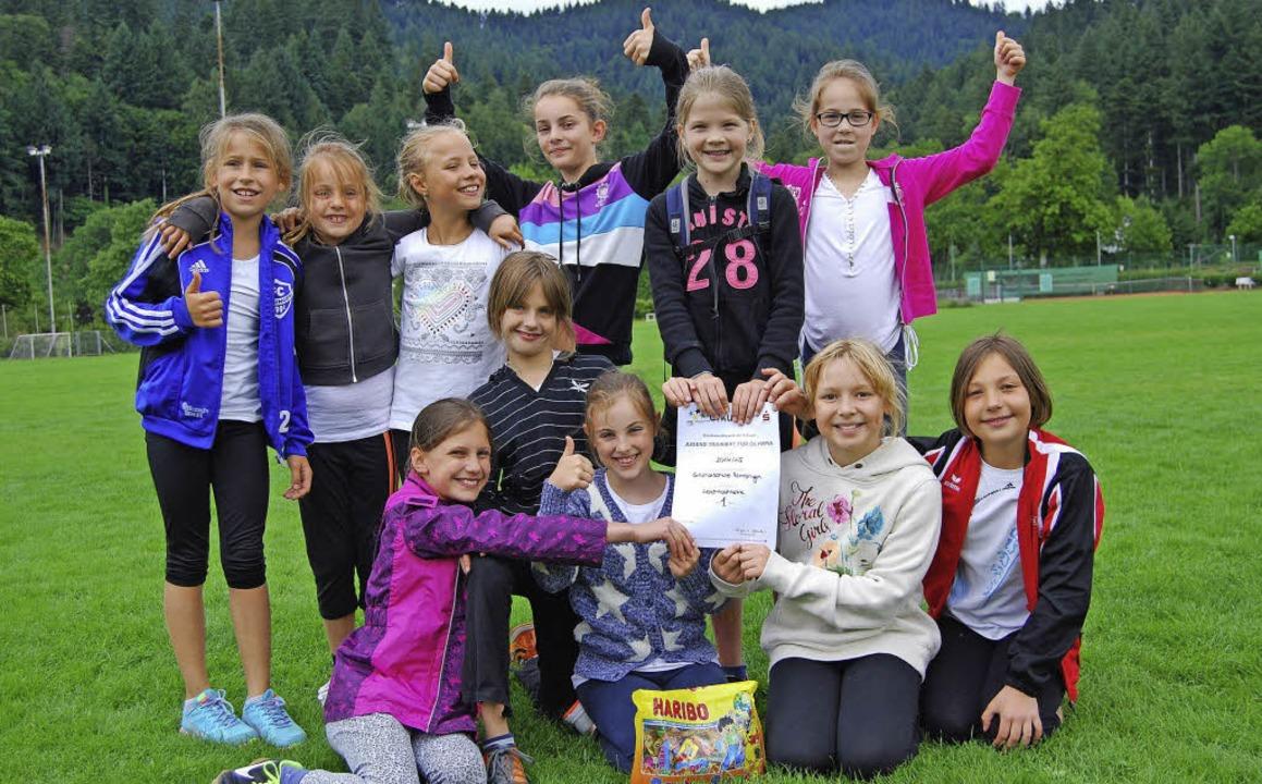 Die Mädchenmannschaft der Grundschule ...ainiert für Olympia den ersten Platz.   | Foto: privat