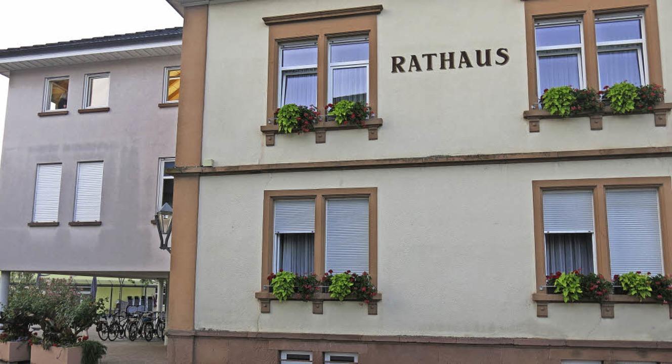 Das Rathaus in Sexau mit Anbau    Foto: Georg Voß