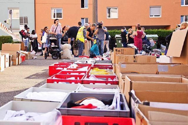 Hochhausbrand in Freiburg: T-Shirts und Zahnbürsten für Betroffene