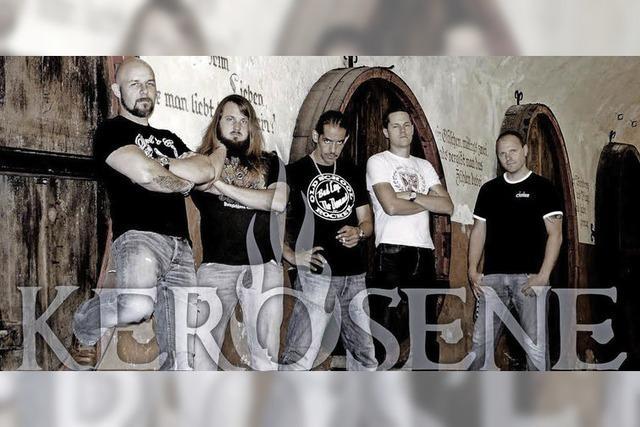 Es spielen Kerosene, R.A.C.A.R. und Dust in my hand im Juze Kessel Offenburg