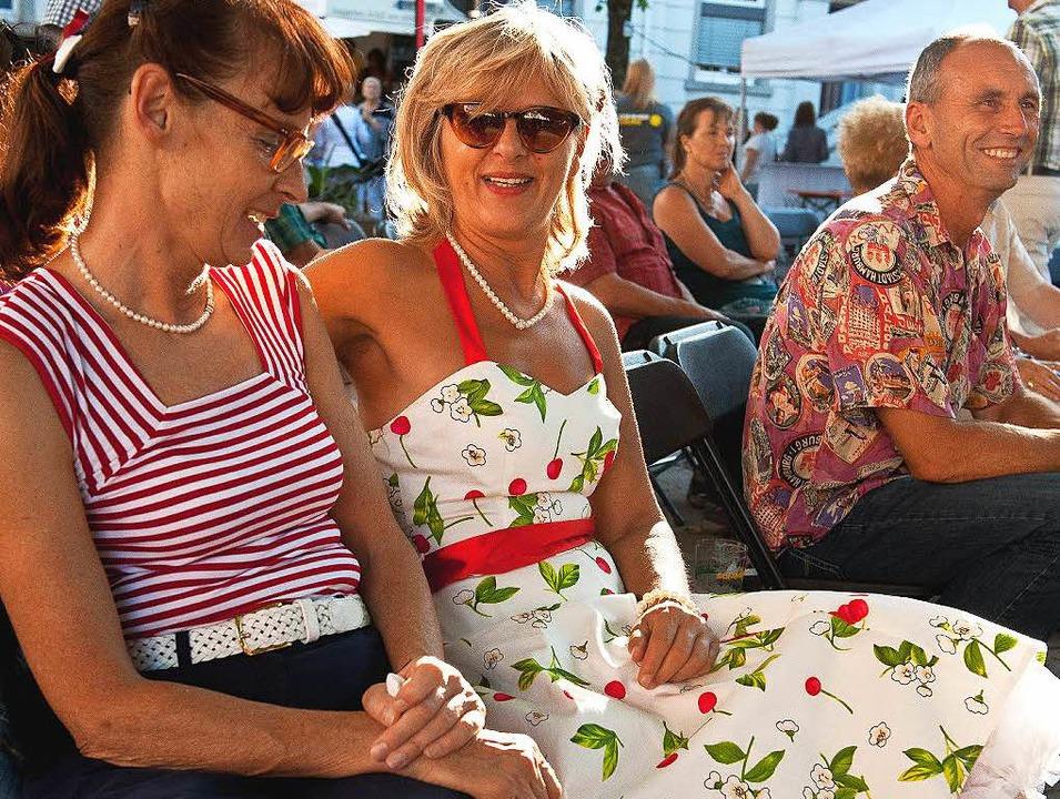 Eine Rock'n'Roll-Party fei...iker und Fans hatten einen Riesenspaß.  | Foto: Wolfgang Scheu