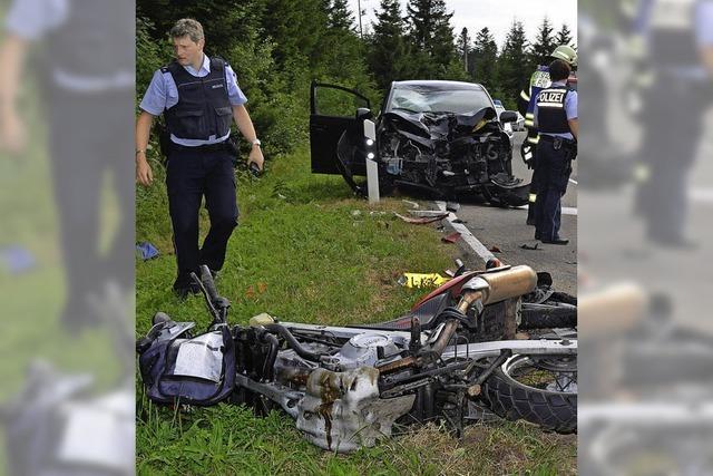 Motorradfahrer wird bei Unfall tödlich verletzt