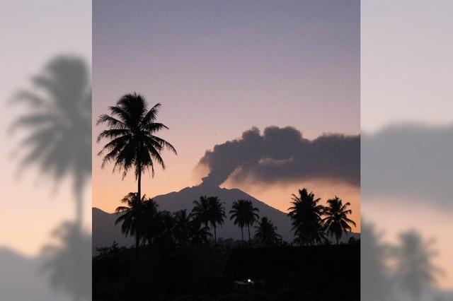 Vulkane in Mexiko und Indonesien spucken Lava