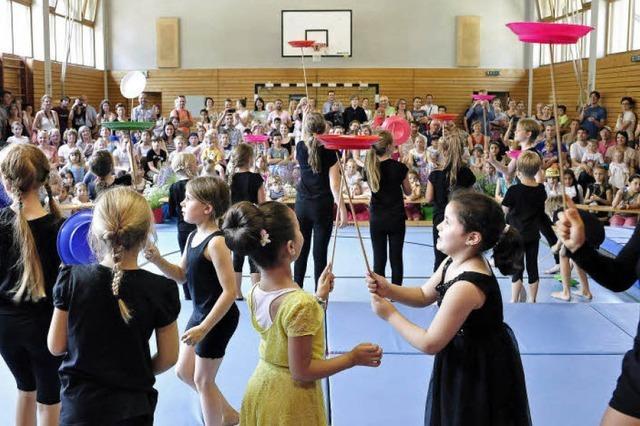 Die Lortzing-Grundschule feiert ein kunterbuntes Fest zum Jubiläum