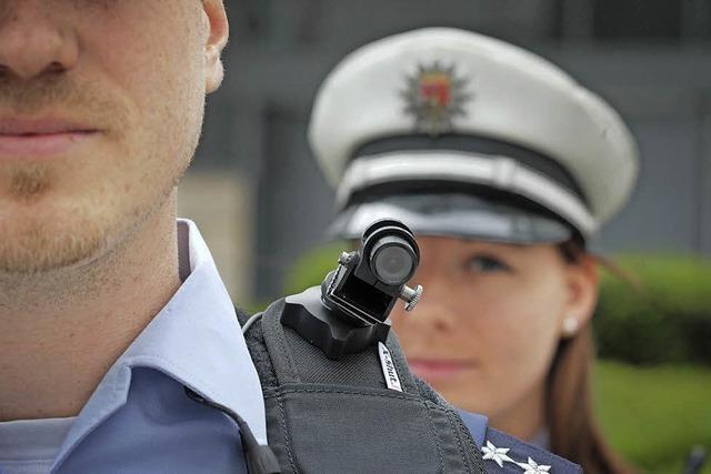 Politik will Polizisten besser schützen
