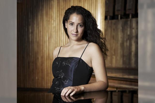 Pianistin Meryem Natalie Akdenizli in Sulzburg-Laufen