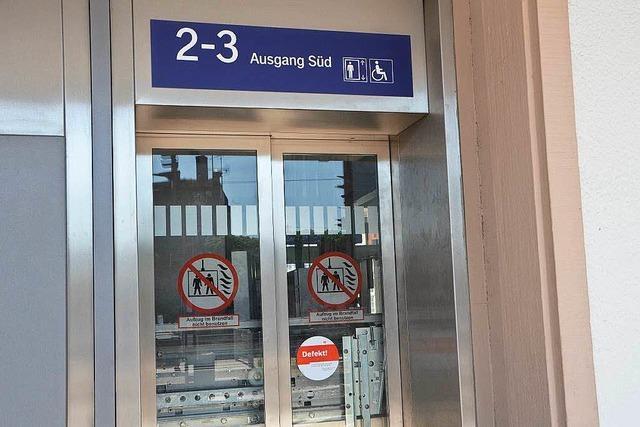Derzeit ohne Aufzug und Rampe