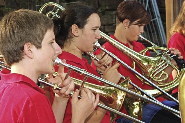 Musikverein Emmendingen-Windenreute beim Heimathaus