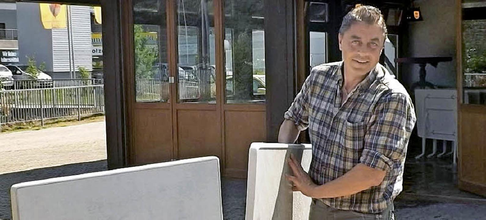 Siegmund Osswald  ist neuer Pächter im...um am Hirschgartenhüsli in Rickenbach.  | Foto: wolfgang adam