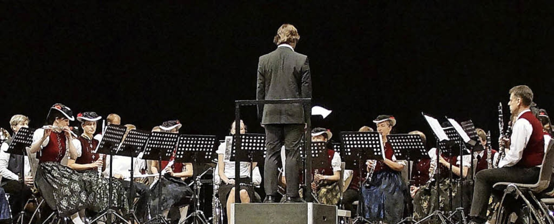 Blasmusik grenzenlos: die Trachtenkape...tegen beim Wertungsspiel in Karlsruhe     Foto: Privat