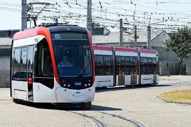 Der Urbos startet in Freiburg – BZ testet neue Tram