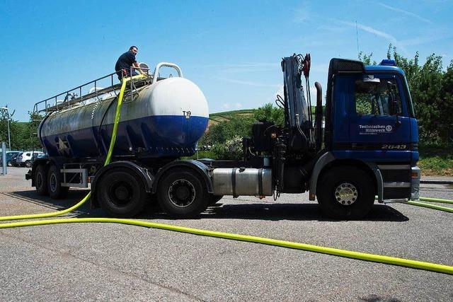 Feuerwehr sichert Löschwasserversorgung in Müllheim