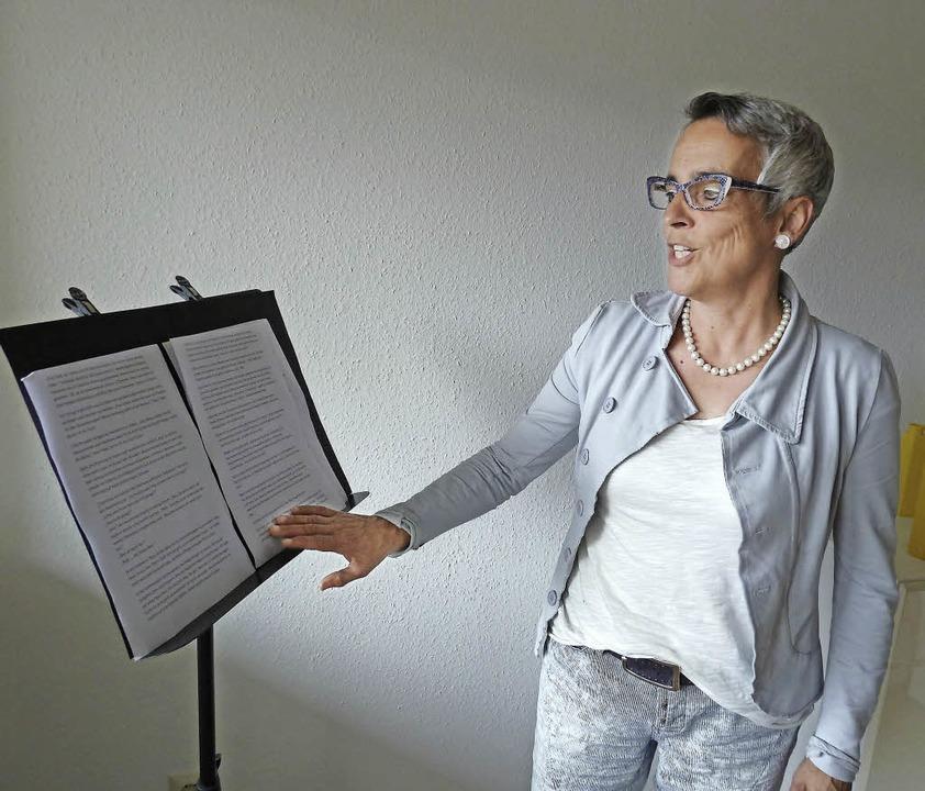 Der Text muss sitzen: Geschichtenerzäh...a Wehrle überlässt nichts dem Zufall.   | Foto: Heidrun Simoneit
