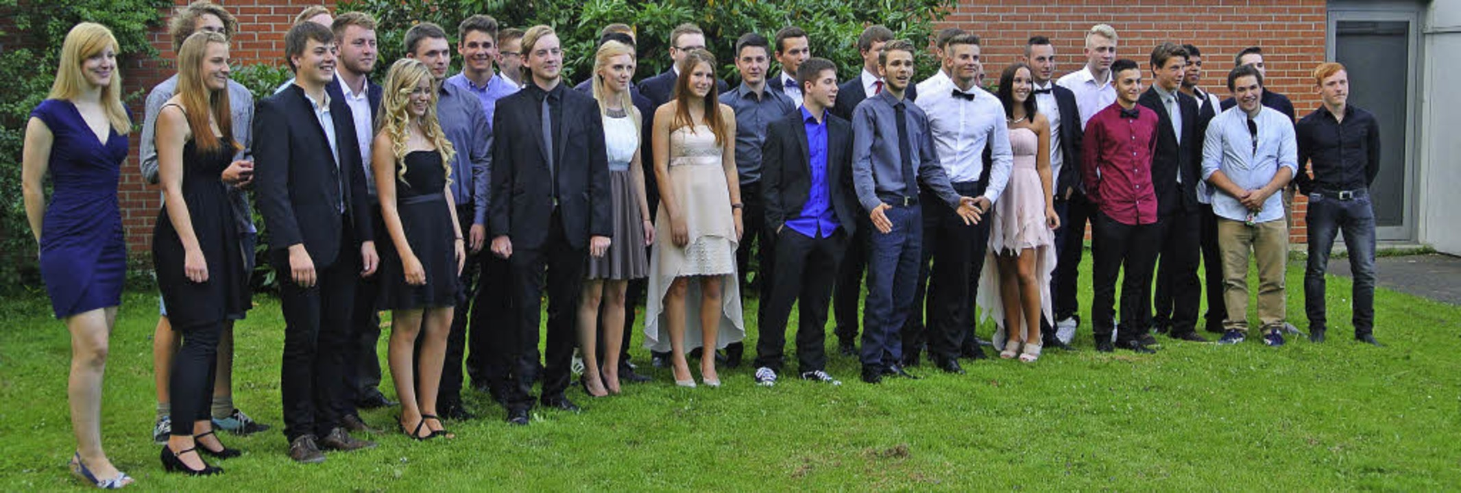 Die Abiturienten  des Technischen Gymn... feiern ihren erfolgreichen Abschluss.  | Foto: ZVG