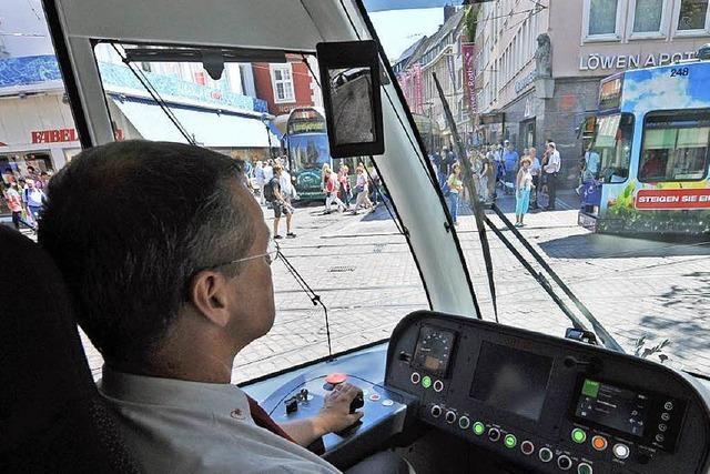 VAG feiert Start des Urbos-Zeitalters – Jungfernfahrt durch Freiburg